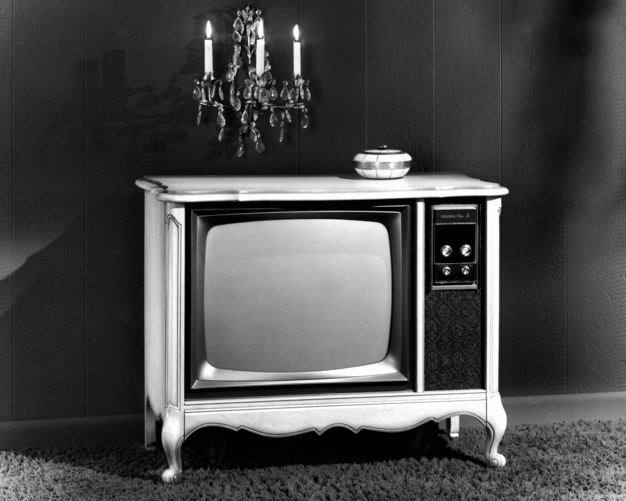 Vintage Photos Show Old Tv Sets From The 1940 U0026 39 S Through 1960 U0026 39 S
